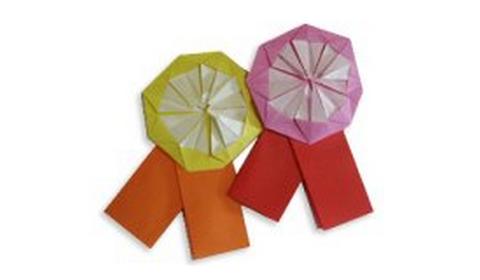 Брошь-цветочек оригами