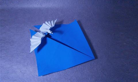плывущий журавль оригами