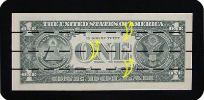 закладка с сердцем из денег 1