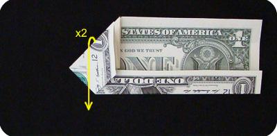 закладка с сердцем из денег 11
