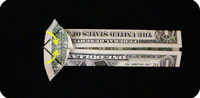закладка с сердцем из денег 16