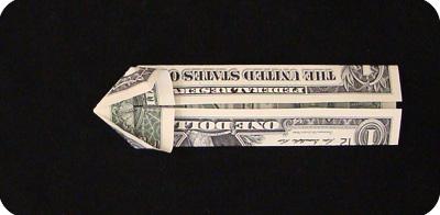 закладка с сердцем из денег 17
