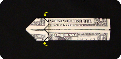 закладка с сердцем из денег 18