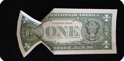 закладка с сердцем из денег 6