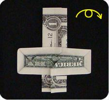 крест из денег 26