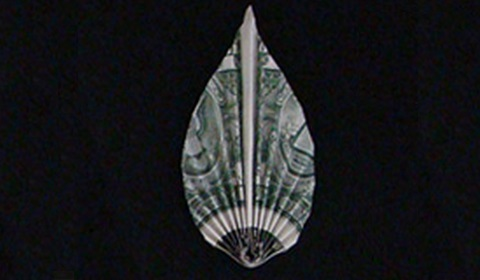 листок из денег