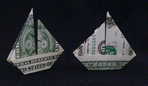 парусник из денег оригами