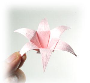 Лилия поделка из бумаги 40