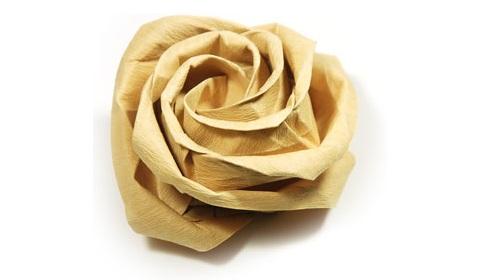 большая роза из бумаги 18