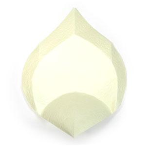 лилия из бумаги 12