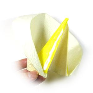 лилия из бумаги 16