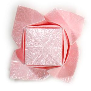 объёмная роза из бумаги 62