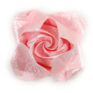 объёмная роза из бумаги 72