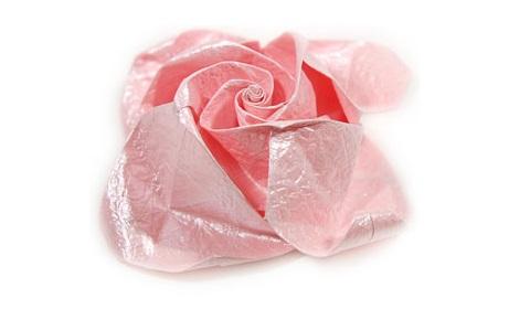 объёмная роза из бумаги 73