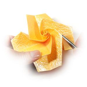простая бумажная роза 50