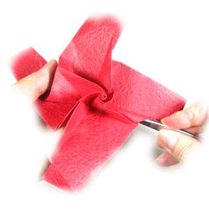 простая роза оригами из бумаги 22