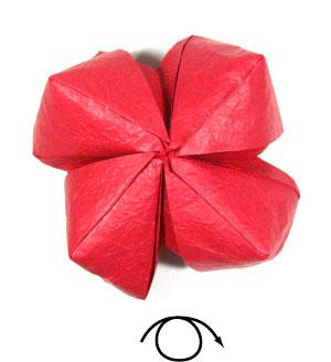 простая роза оригами из бумаги 32