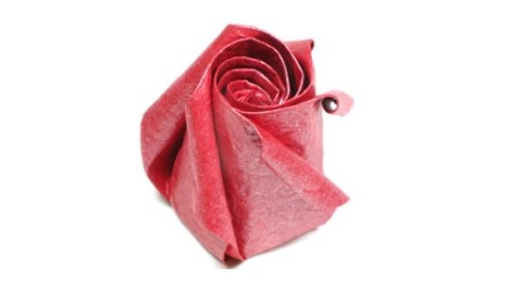 самодельная роза из бумаги 29
