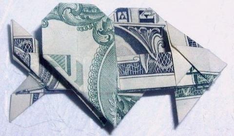 сердце со стрелой из денег
